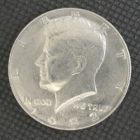1982-P No FG KENNEDY HALF DOLLAR 50c AU58